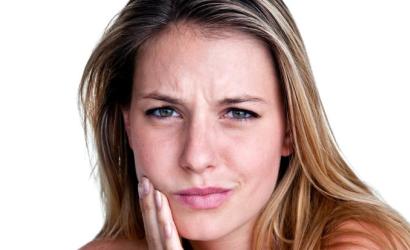 Зубная боль терзает человека