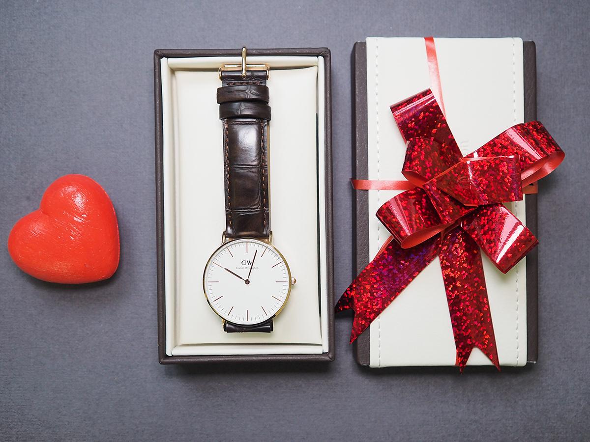 Как правильно подарить часы.