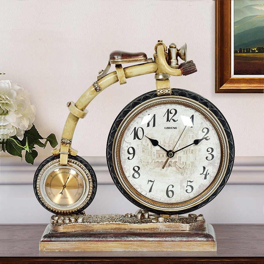 Можно ли дарить настенные и настольные часы.